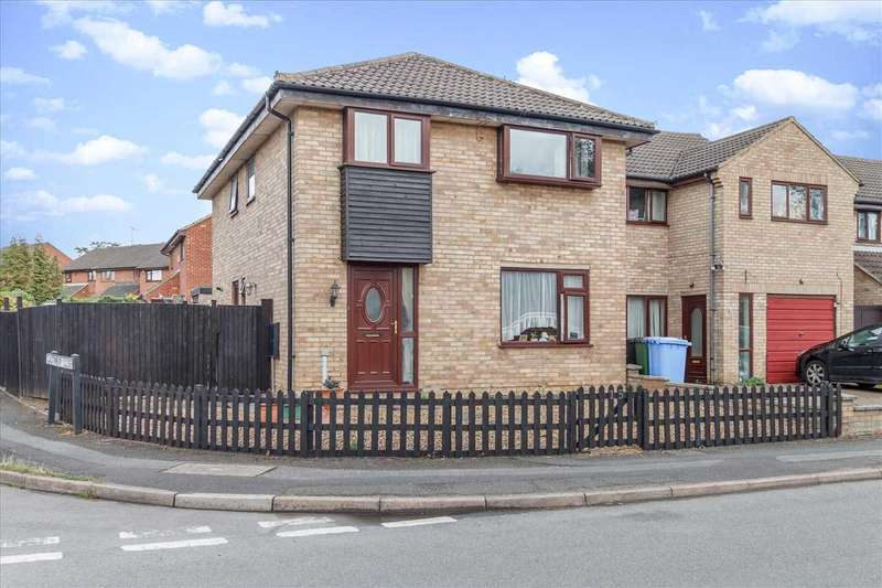 4 Bedrooms Detached House for sale in Walsingham Avenue, Kettering