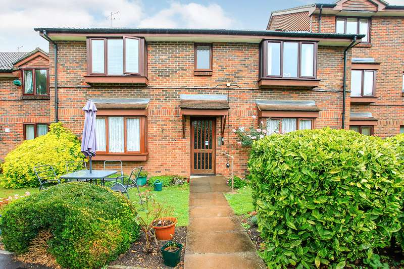 1 Bedroom Apartment Flat for sale in The Grange, Abbots Langley, WD5