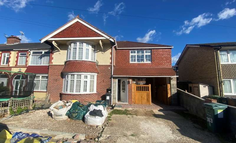 4 Bedrooms Terraced House for sale in Chatsworth Avenue, Portsmouth, Hampshire, PO6 2UW