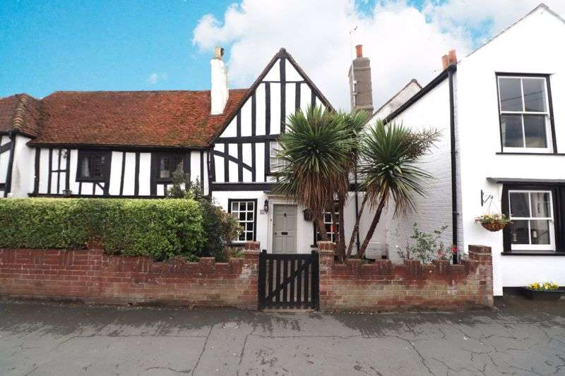2 Bedrooms Property for sale in Grade II Listed, High Street, Brightlingsea