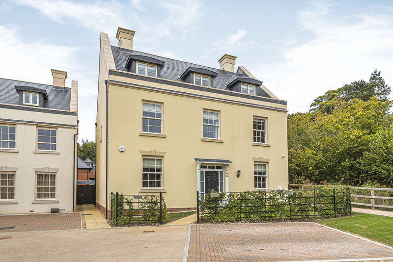 5 Bedrooms Detached House for sale in Austin Drive, Winchester Village