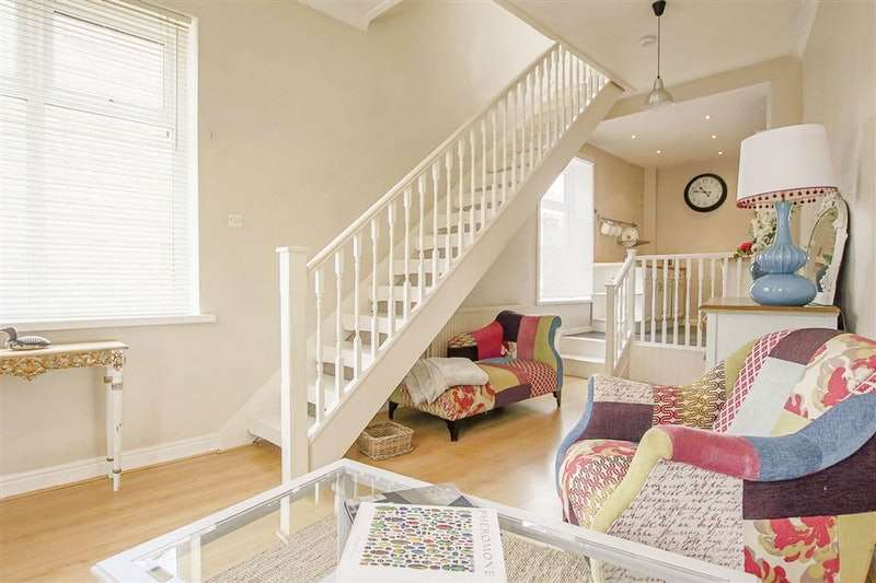 1 Bedroom Terraced House for sale in Hawthorne Road, Burnley, Lancashire, BB11