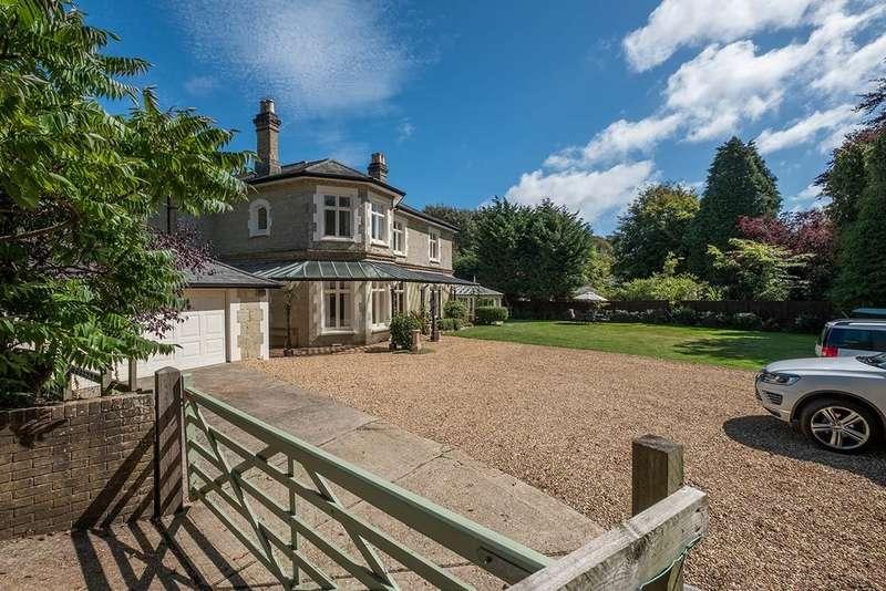 6 Bedrooms Detached House for sale in Shanklin Road, Sandford