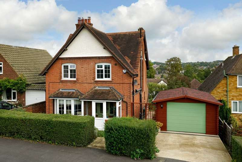 3 Bedrooms Detached House for sale in Gadeview Road, Manor Estate