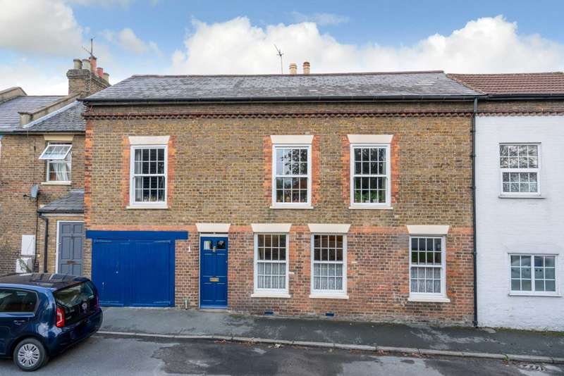 3 Bedrooms House for sale in Russell Place, Boxmoor