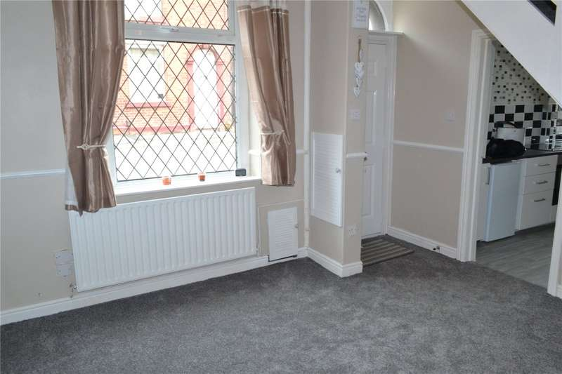 2 Bedrooms End Of Terrace House for rent in Esther Street, Greenacres, Oldham, OL4