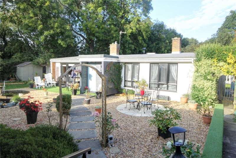 3 Bedrooms Detached Bungalow for sale in Whiteley Grove, Newton Aycliffe, DL5