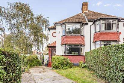 3 Bedrooms Semi Detached House for sale in Layhams Road, West Wickham
