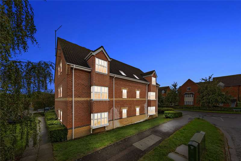2 Bedrooms Apartment Flat for sale in Maple Court, Stafford Green, Langdon Hills, Basildon, SS16