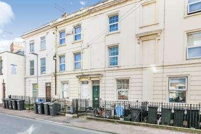 2 Bedrooms Flat for sale in Wellington Street, Gloucester, Gloucestershire, Gloucester