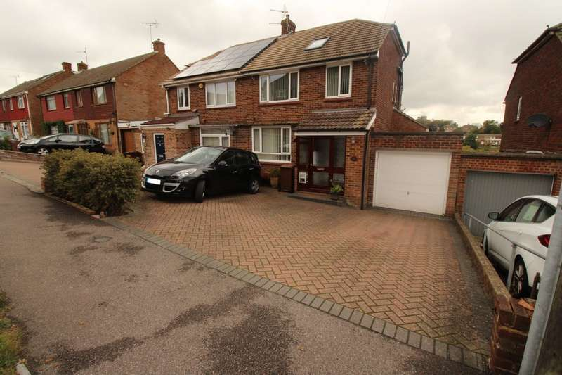 4 Bedrooms Semi Detached House for sale in Snodhurst Avenue, Chatham, Kent, ME5