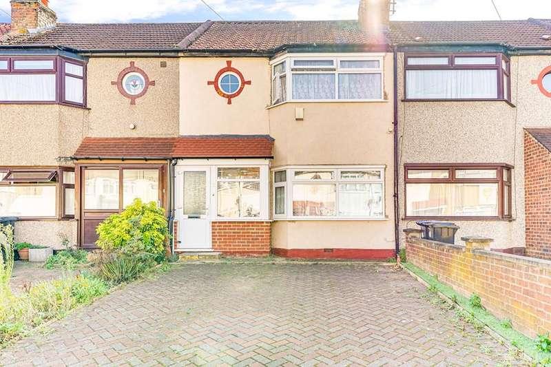 3 Bedrooms Flat for sale in Wheatfields, Enfield, London, EN3