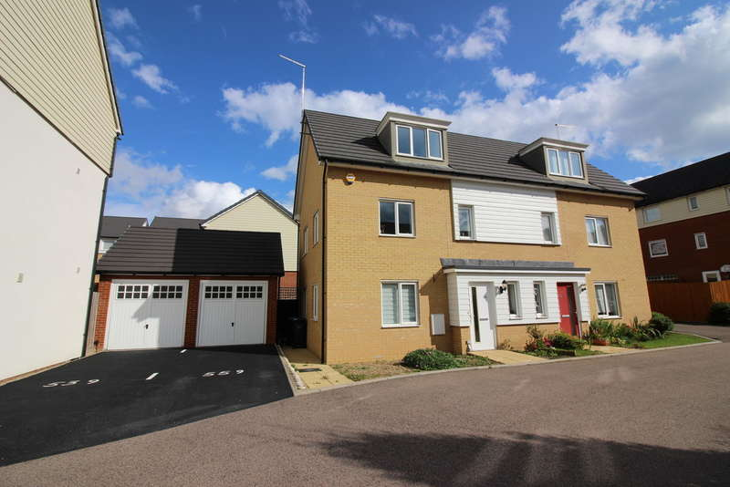 3 Bedrooms Semi Detached House for sale in Bowhill Way, Harlow, CM20