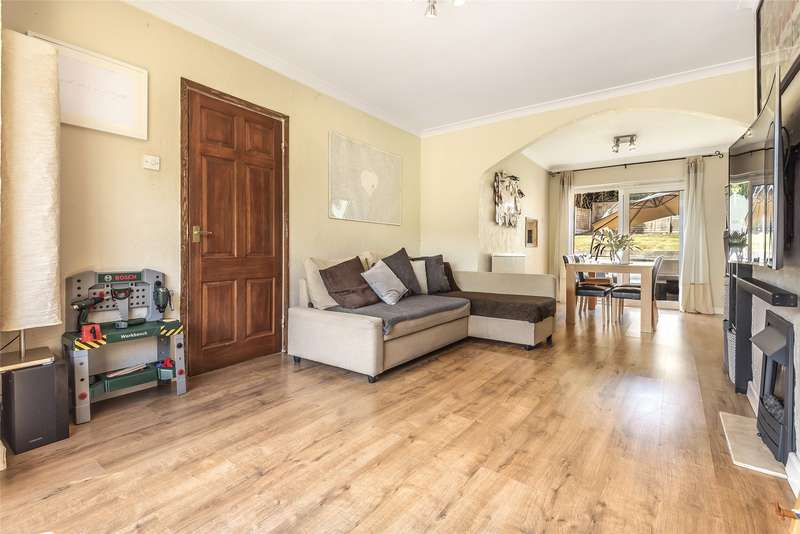 3 Bedrooms Semi Detached House for sale in Green Way, Tunbridge Wells, Kent, TN2