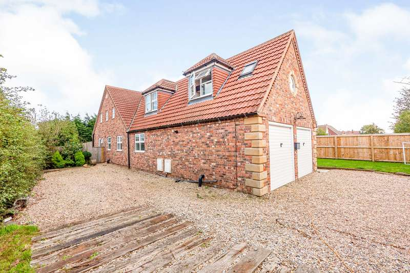 6 Bedrooms Detached House for sale in Southsea Road, Flamborough, Bridlington, East Yorkshire, YO15