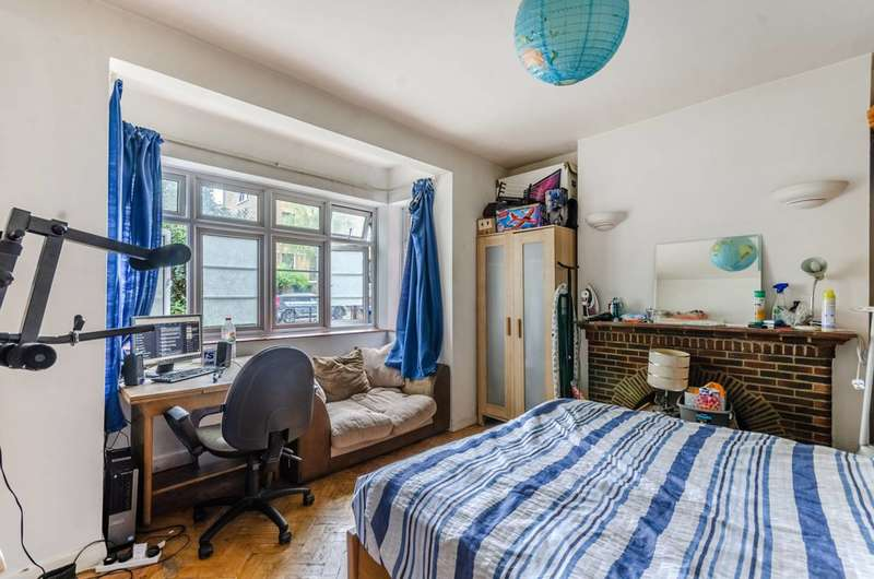 4 Bedrooms Semi Detached House for sale in Grove Lane, Denmark Hill, SE5