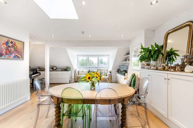 4 Bedrooms Flat for sale in Exeter Road, Mapesbury Estate, NW2