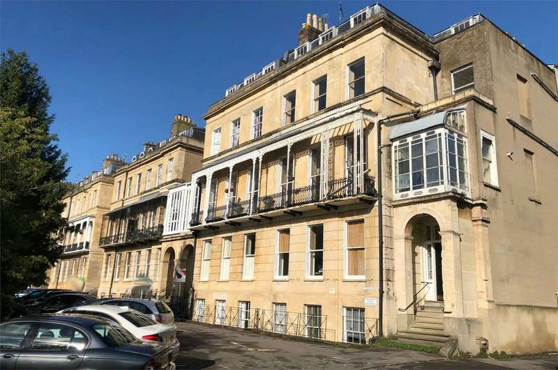 2 Bedrooms Flat for sale in Lansdown Place, Cheltenham, Gloucestershire
