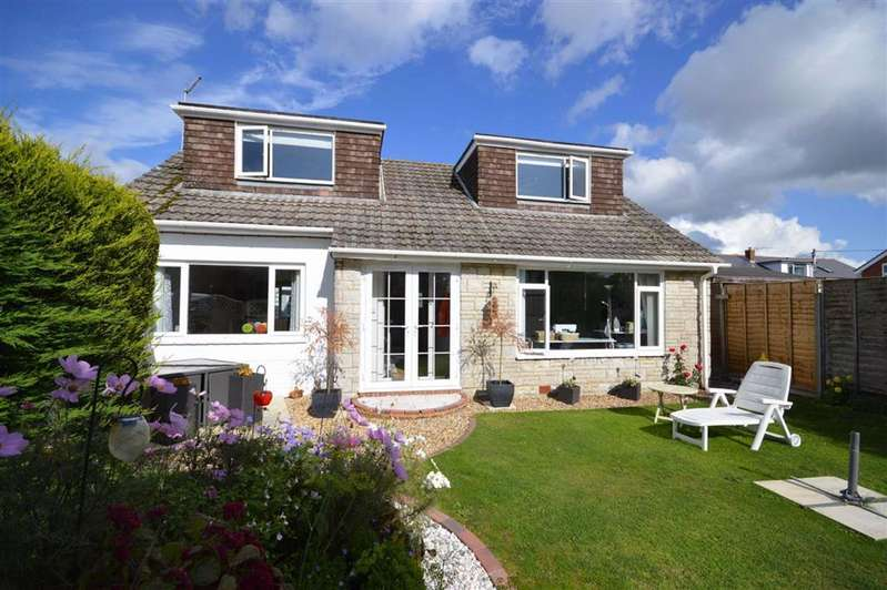 3 Bedrooms Chalet House for sale in Barton On Sea