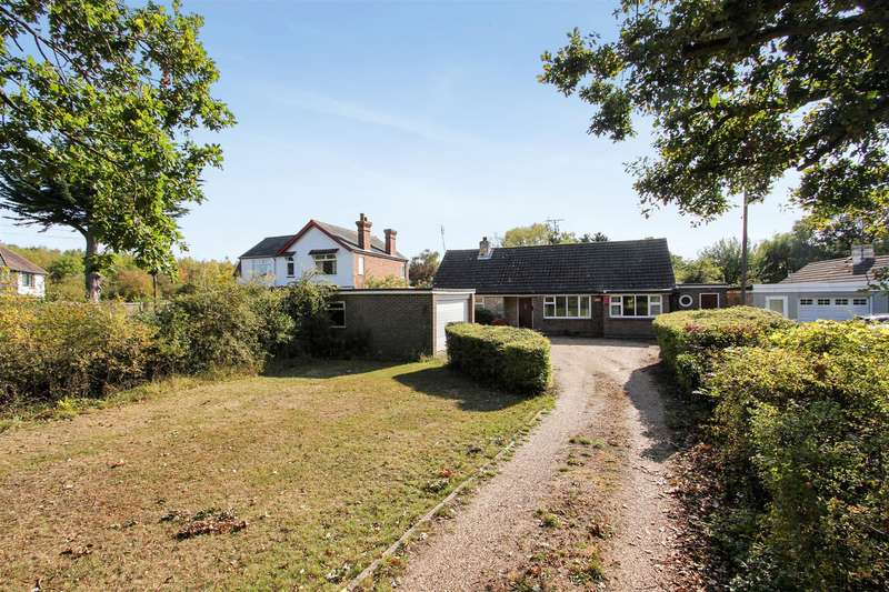 3 Bedrooms Detached Bungalow for sale in Molehill Road, Chestfield, Whitstable