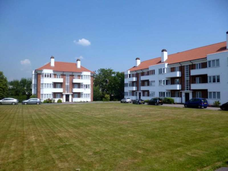 2 Bedrooms Flat for sale in Deacons Hill Road, Elstree