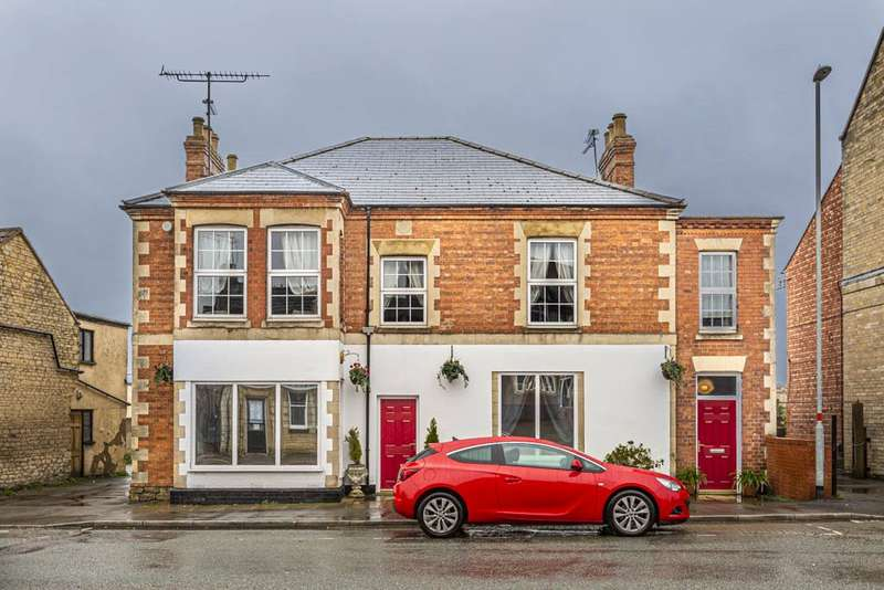 6 Bedrooms House for sale in Station Road, Irthlingborough, Northamptonshire, NN9
