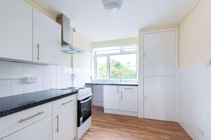2 Bedrooms Maisonette Flat for rent in Stoneleigh Broadway, Epsom, KT17