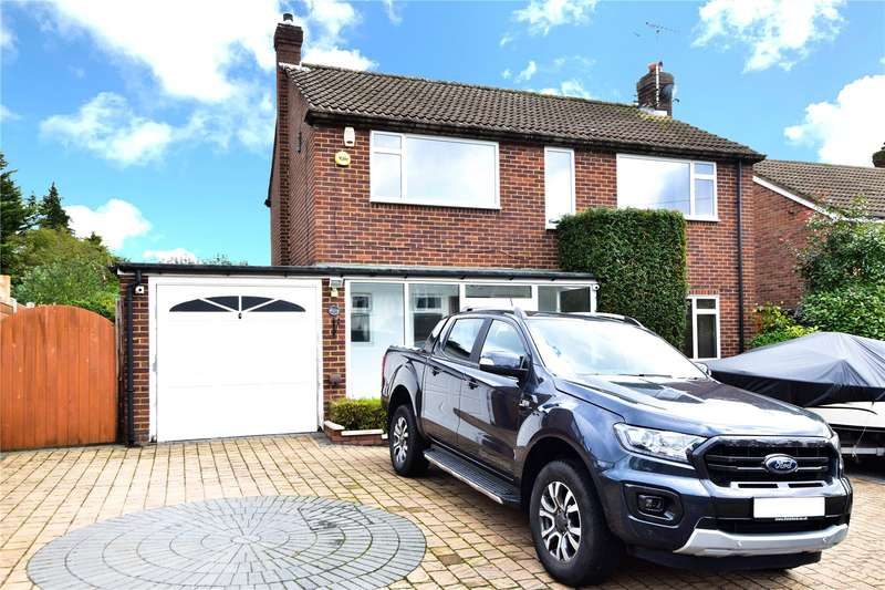 3 Bedrooms Detached House for sale in Beacon Way, Rickmansworth, Hertfordshire, WD3
