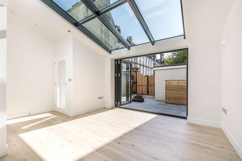 3 Bedrooms House for sale in Dowry Square, Bristol