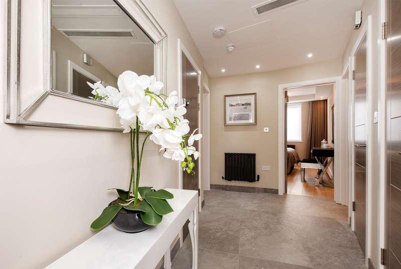 3 Bedrooms Flat for sale in Ground Floor Flat, Woodlands, Hampstead Garden Suburb, NW11 9QU