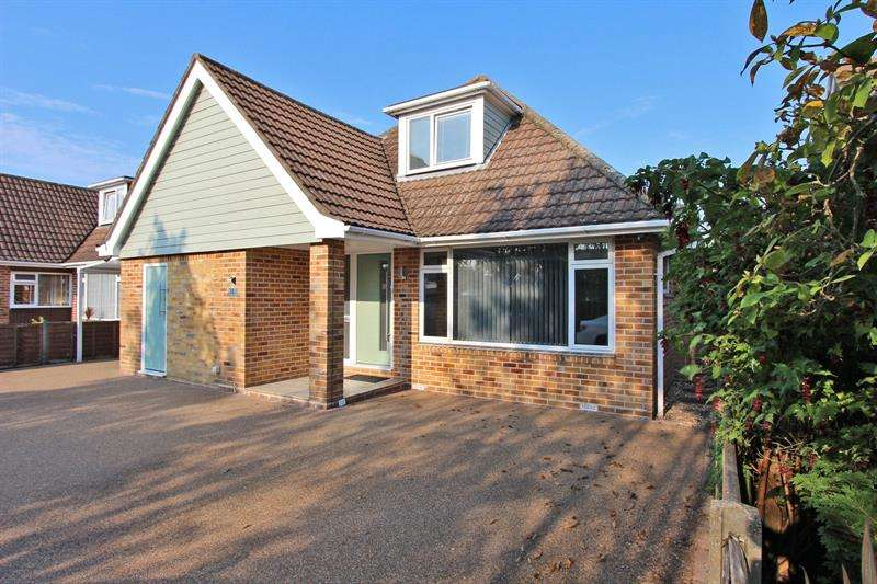 5 Bedrooms Bungalow for sale in Knightwood Close, Ashurst, Southampton, Hampshire, SO40