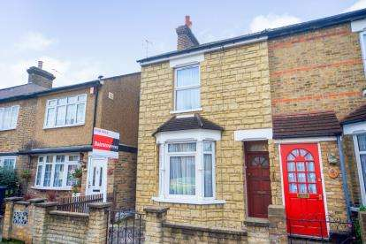 3 Bedrooms Semi Detached House for sale in Eleanor Road, Waltham Cross, Hertfordshire
