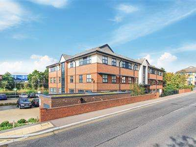 2 Bedrooms Flat for rent in Great North Road, Hatfield