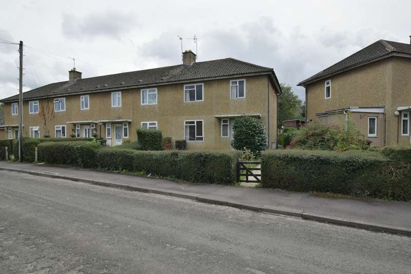 3 Bedrooms Semi Detached House for sale in Mankley Road, Leonard Stanley, Stonehouse, GL10