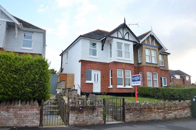 3 Bedrooms Property for sale in ELMFIELD, RYDE