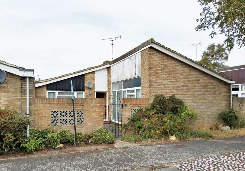 2 Bedrooms Bungalow for sale in Whistler Rise, Shoeburyness, Southend-on-Sea, Essex, SS3 9TG