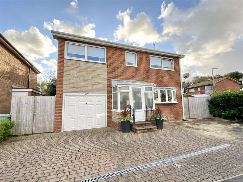 4 Bedrooms Detached House for sale in South Park, Lytham