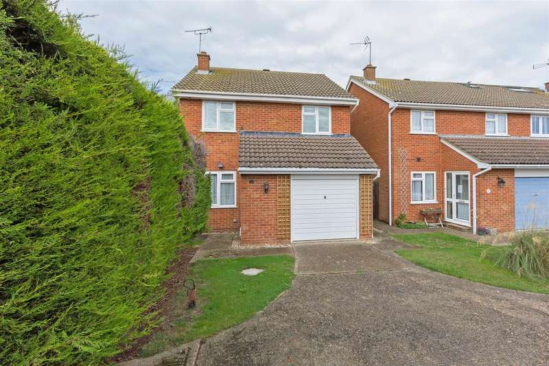 3 Bedrooms Detached House for sale in Cardine Close, Sittingbourne