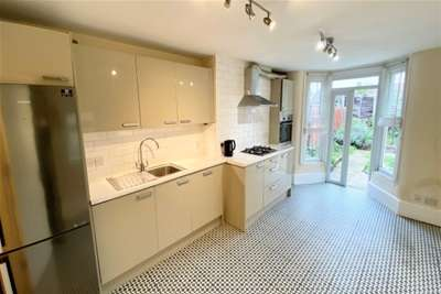 4 Bedrooms House for rent in Cann Hall Road, Leytonstone E11