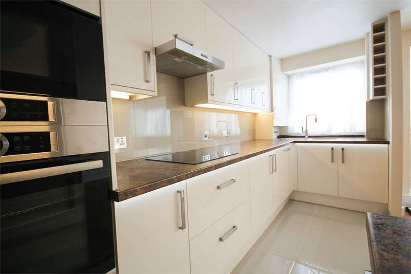 2 Bedrooms Flat for rent in Deanswood, Maidstone Road, London