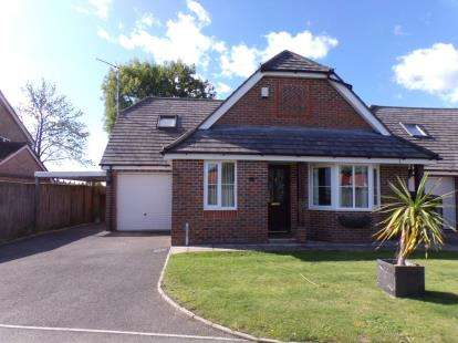 4 Bedrooms House for sale in Ringwood, Hampshire, .