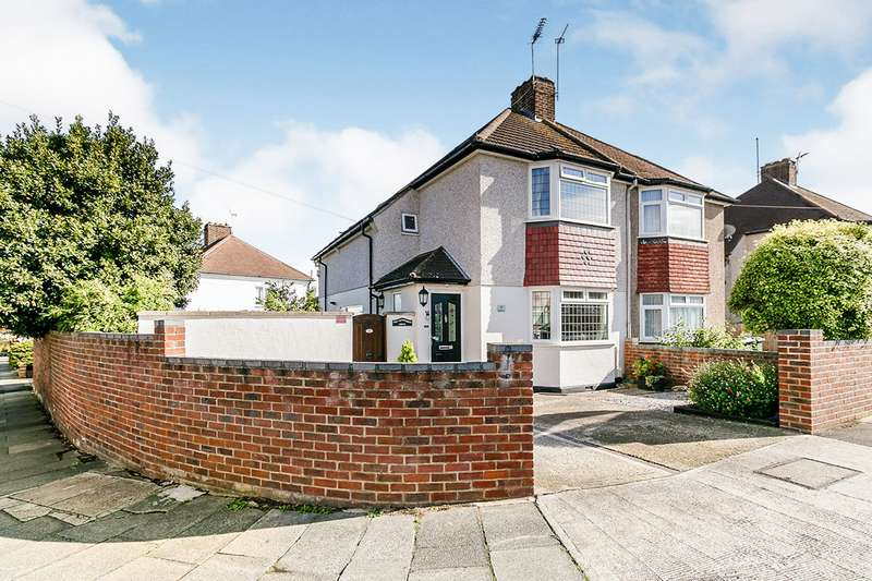 3 Bedrooms Semi Detached House for sale in Wentworth Drive, Dartford, Kent, DA1
