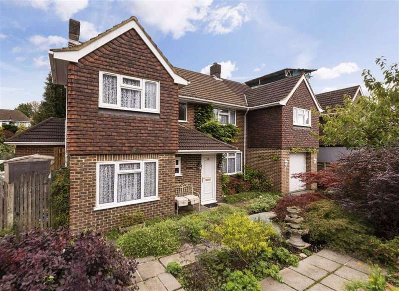 5 Bedrooms Detached House for sale in Chipstead Park, Chipstead, TN13