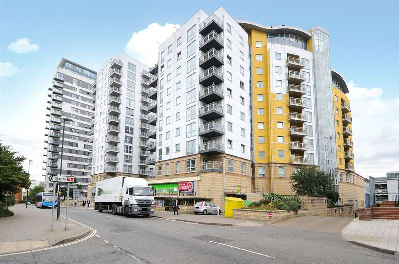 2 Bedrooms Flat for rent in Crown Heights, Alencon Link, Basingstoke, Hampshire, RG21