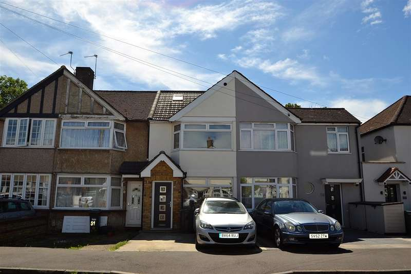 3 Bedrooms Terraced House for sale in Fernside Avenue, Hanworth