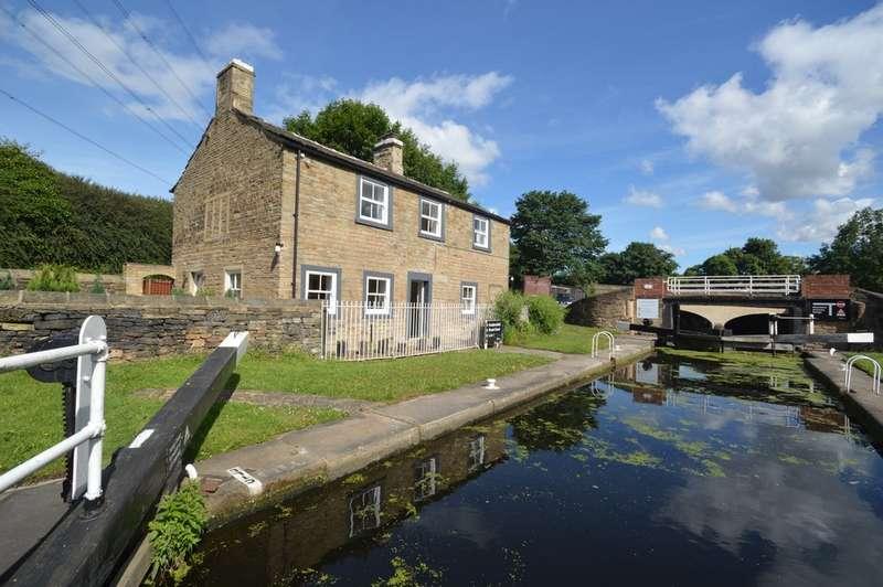 3 Bedrooms Cottage House for sale in Leeds Road, Huddersfield
