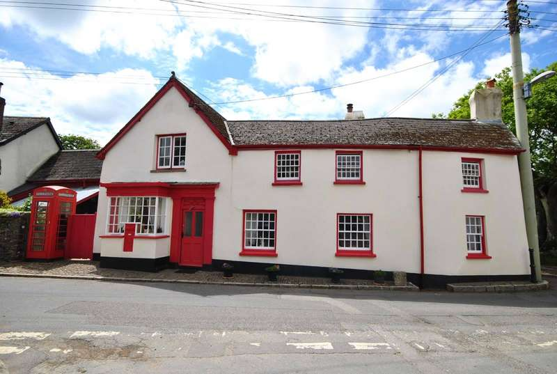 4 Bedrooms Detached House for sale in Old Post Office, Burrington, Umberleigh, EX37