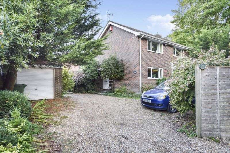 3 Bedrooms Property for sale in Murray Road, Horndean