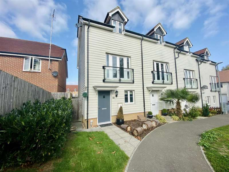 3 Bedrooms Semi Detached House for sale in Greystones, Willesborough, Ashford