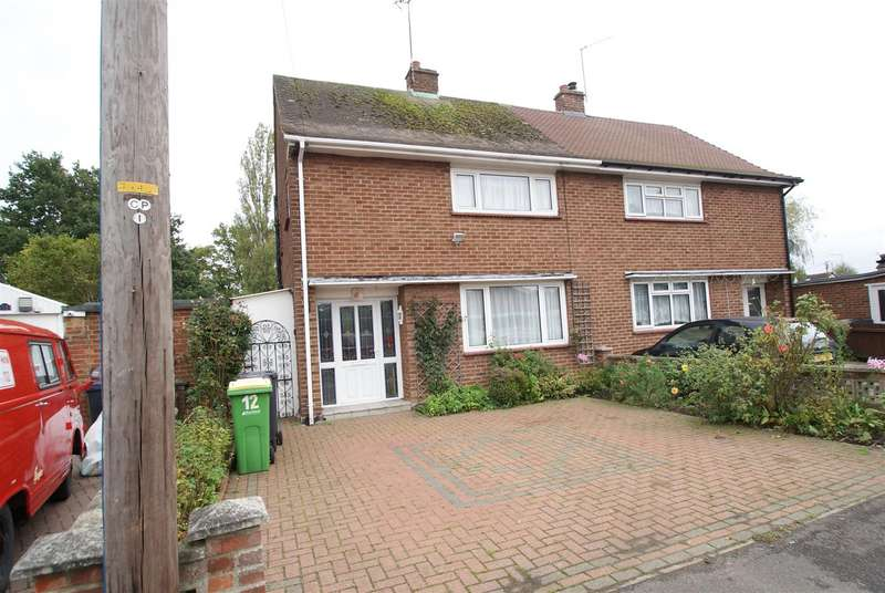 3 Bedrooms Semi Detached House for sale in Bedloes Avenue, Rawreth, Wickford